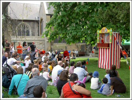 Geoff Felix - Puppeteer and Punch and Judy performer